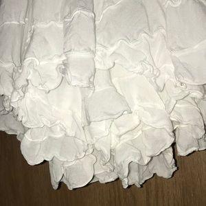 Baik Baik White Skirt M/L Swirly Full Hem/Hi Lo❤️